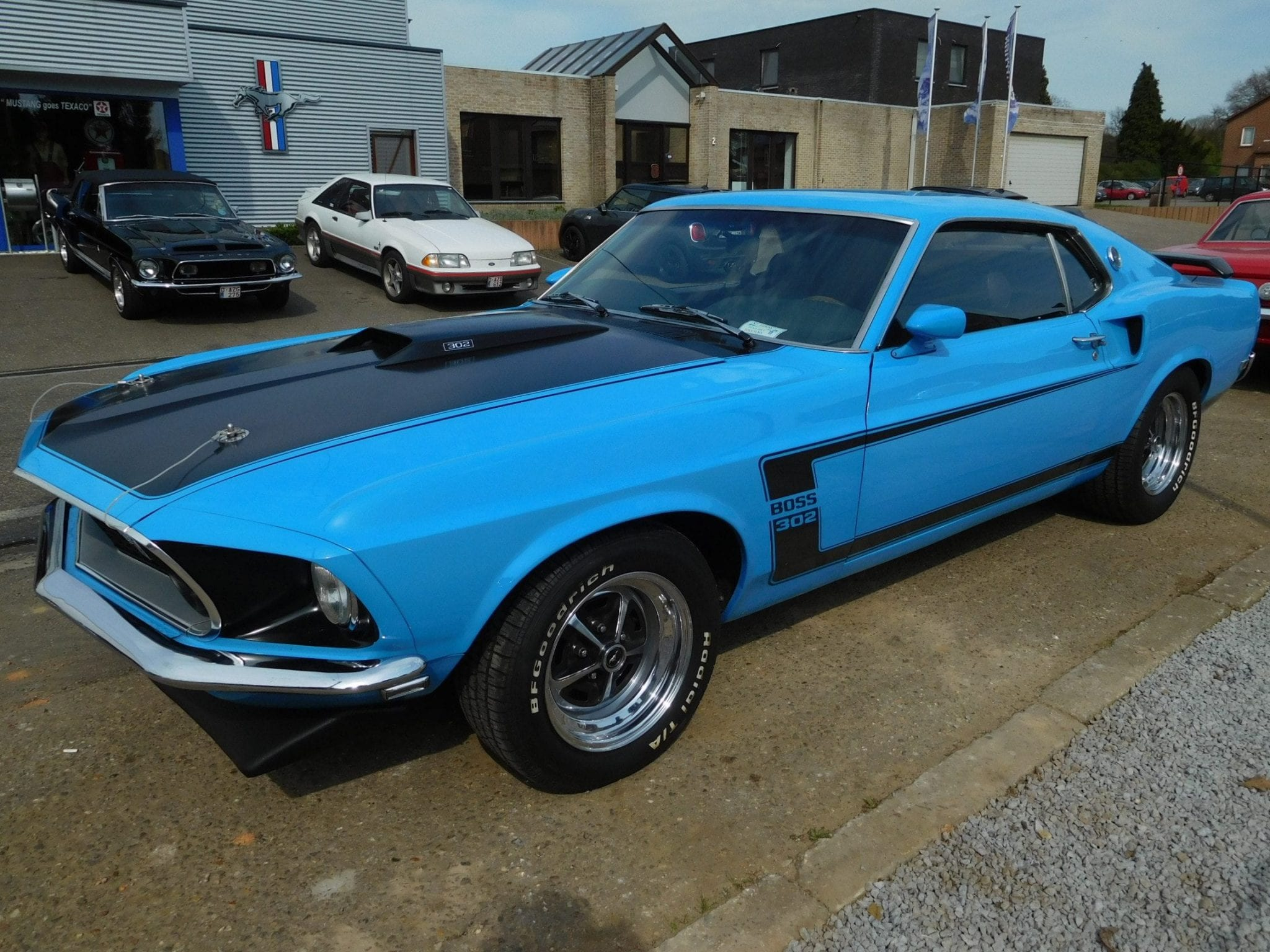 1969 ford mustang fastback boss 302 tribute 681 the mustang garage. Black Bedroom Furniture Sets. Home Design Ideas