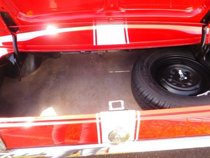 Candyapple red Ford Mustang 1966 fastback trunk #703